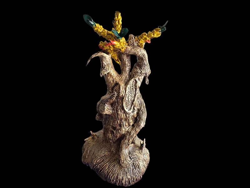 万四云陶瓷作品《春意盎然》